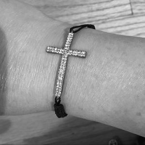 ⛪️ Crystal Cross Adjustable Bracelet